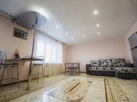 Трехкомнатная квартира на ул. Николаева, д. 85